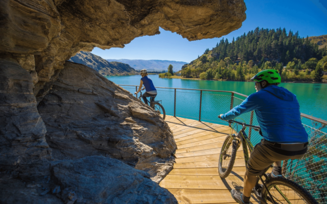 E-Bike The Lake Dunstan Trail on a Crafted Journeys Central Otago tour
